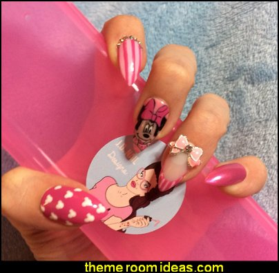 Disney's Minnie Mouse press on nails  - minnie themed false nails - minnie mouse glue on nails - minnie handpainted nails pink bow