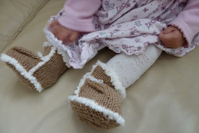 Knitted baby Ugg boots