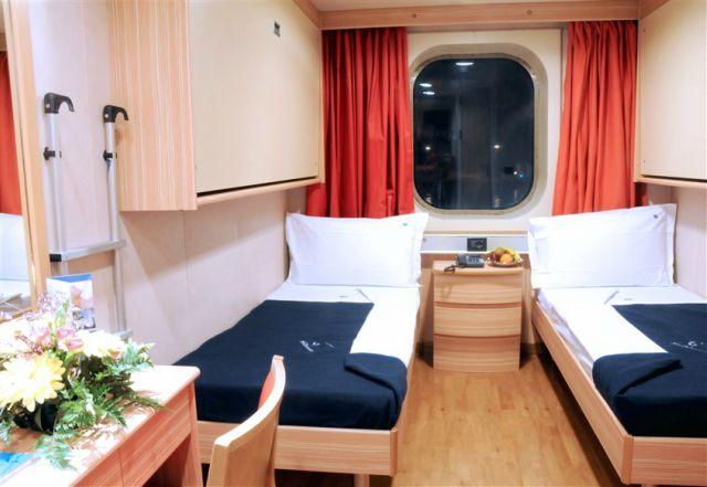 cruise-break-grimaldi-lines-cabine-poracci-in-viaggio