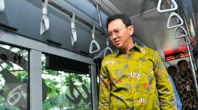 Ahok Bakal Lengkapi Transjakarta Aplikasi Online Kaum Difabel