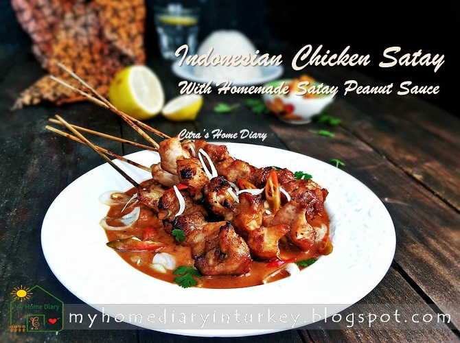 AUTHENTIC INDONESIAN SATAY RECIPE With Homemade Satay Peanut Sauce / RESEP SATE AYAM BUMBU KACANG | Çitra's Home Diary. #indonesiansatayrecipe #resepsateayam #resepbumbusatekacang #sataysaucerecipe #howtomakesataysauce #peanutsauce #chickensatay #indonesianfoodrecipe #resepmasakantradisional #bumbusateresep