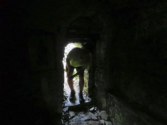 Podziemna kaplica Proroka Eliasza na Kissavos.