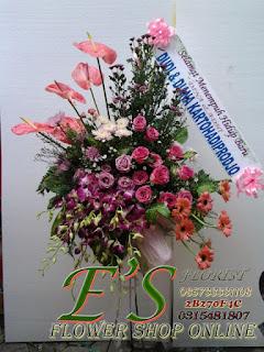 standing flower pernikahan happy wedding