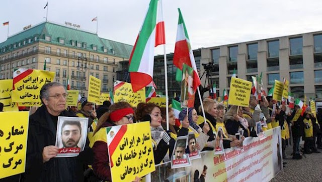 Free Iran rally in Berlin in support of regime change by Iranians