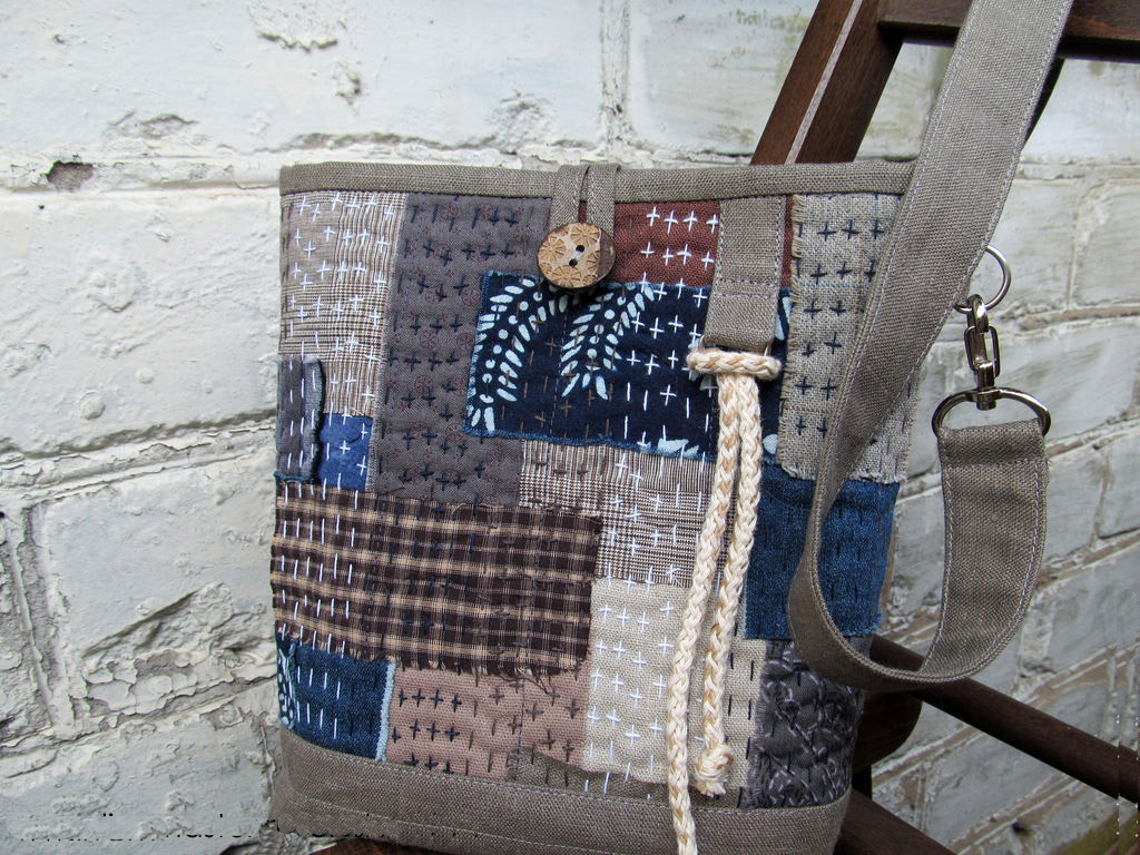 Japanese Boro Denim Tote Bag. DIY step-by-step tutorial with pictures.