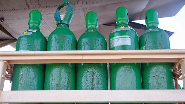 Governo da Bahia entrega cilindros de oxigênio para Cabaceiras do Paraguaçu e outros 12 municípios do interior