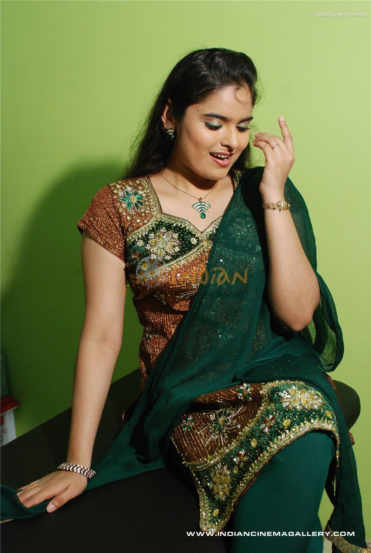 Sajitha Betti Hot Malayalam Serial Actress Pics-2650