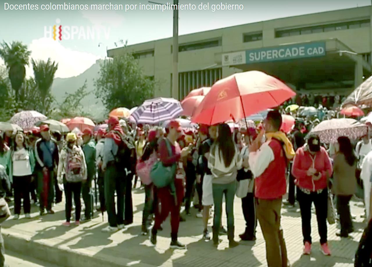 Docentes colombianos marchan por incumplimiento del gobierno