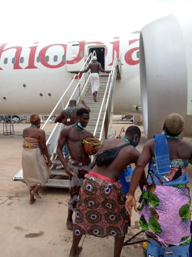"""Une opération de """"déminage mystique"""" à l'aéroport international de Lomé"""