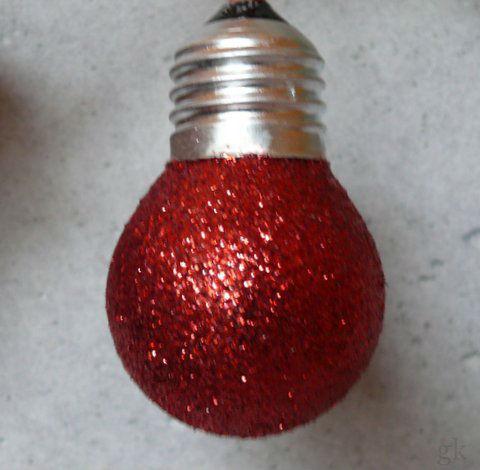 Gk kreativ weihnachtsbaumkugeln aus alten gl hbirnen basteln - Alte weihnachtsbaumkugeln ...