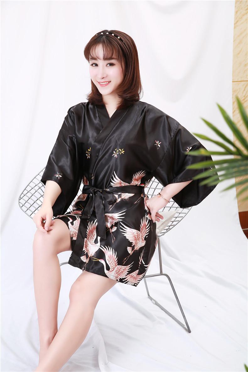 Áo choàng tắm, áo khoác ngủ nữ phi lụa sang trọng 5