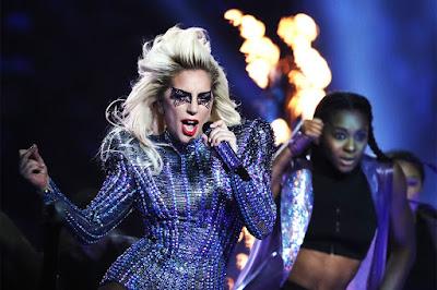 """Entenda melhor a """"fibromialgia"""", doença que levou a cantora Lady Gaga cancelar o show no Rock In Rio"""
