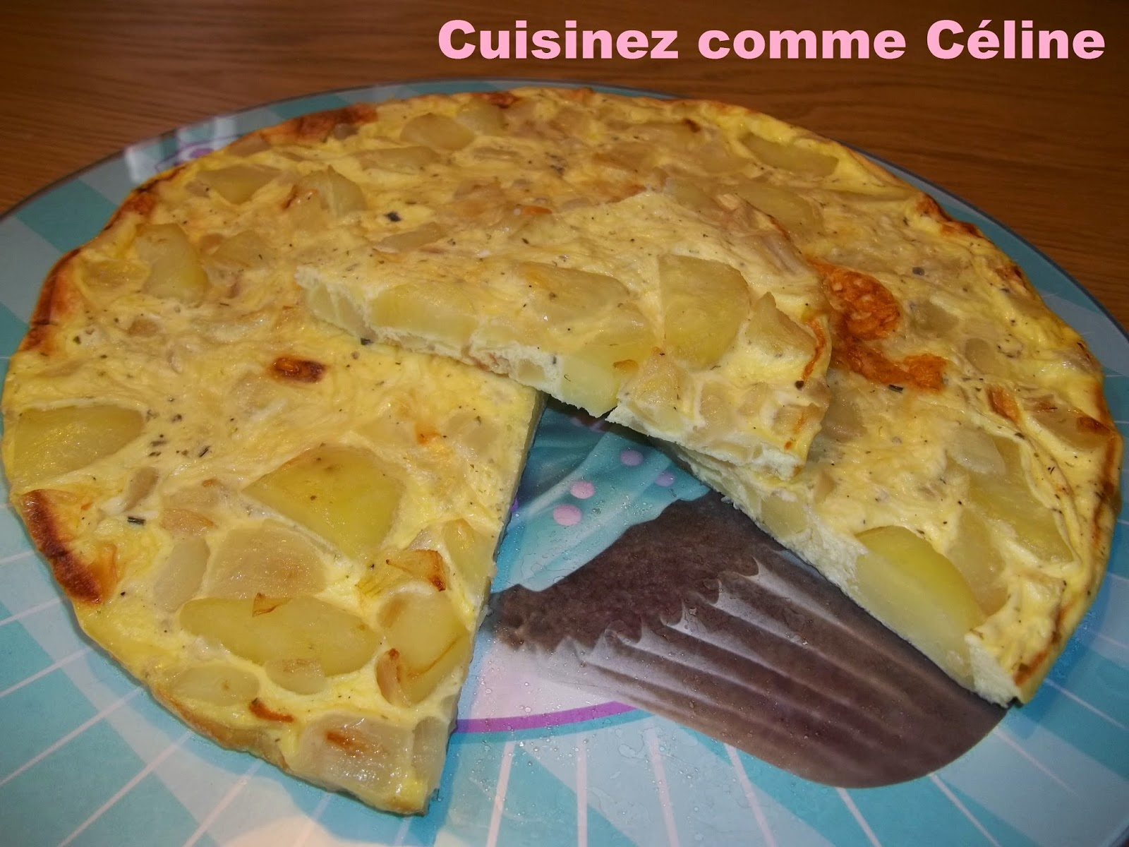 http://cuisinezcommeceline.blogspot.fr/2015/02/tarte-fine-sans-pate-oignon-pomme-de.html