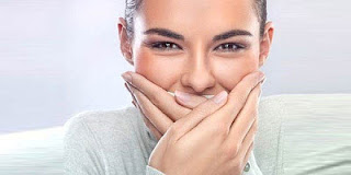 Tips Atasi Bau Mulut dengan Mudah