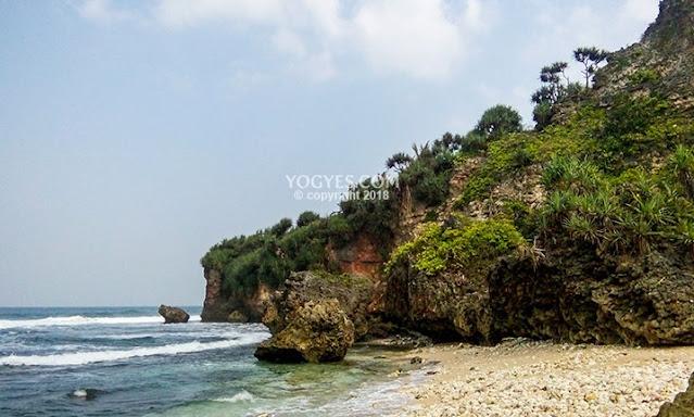 pemandangan-pantai-pringjono