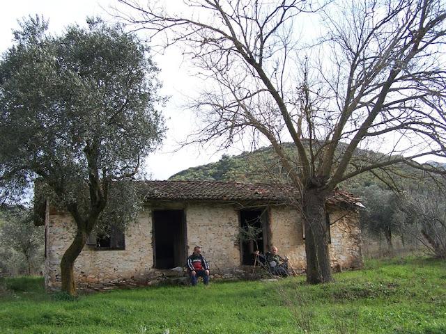 Manastır yolundaki ilk kulübe