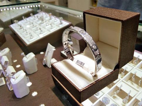 belanja perhiasan emas online