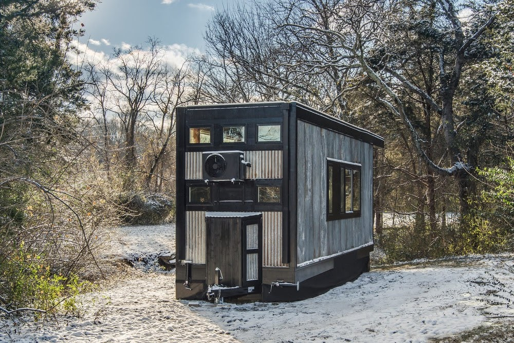 09-External-Back-View-Cornelia-Funke-New-Frontier-Tiny-Homes-Architecture-www-designstack-co