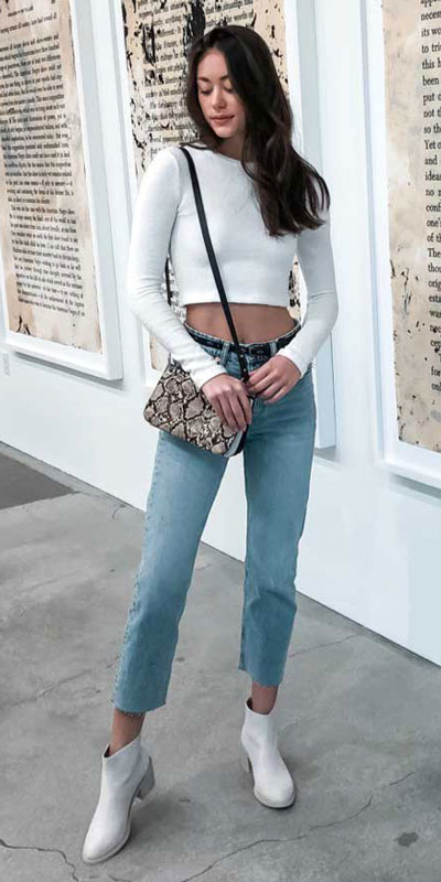 26 Charming Fall Outfits for College Girls. All Casual Fall Wear Every Girl Who Goes to College Will Love. High School Fashion +Teen Outfits via higiggle.com | #falloutfits #college #teenoutfits #schooloutfits