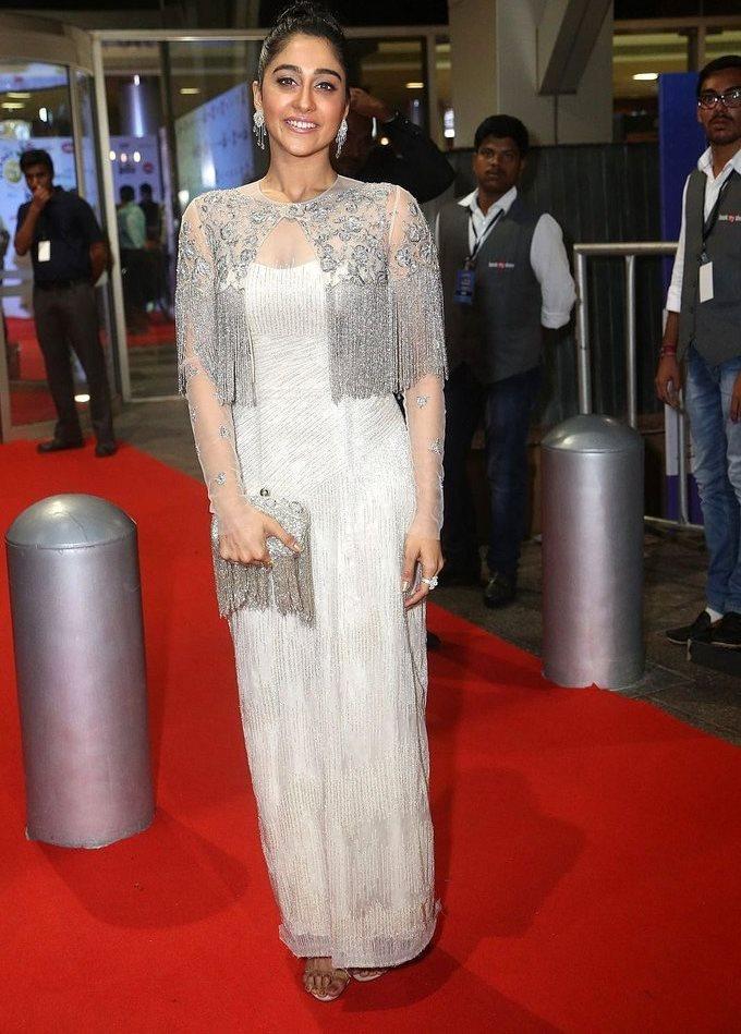Regina Cassandra In White Dress At Jio Filmfare South Awards 2017