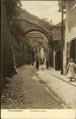 Sibiu - Pasajul Scărilor în inagine de la începutul secolului al XX-lea