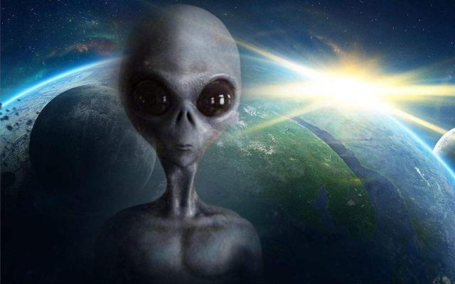 Rốt cuộc người ngoài hành tinh hiếu chiến hay đến Trái Đất trong hòa bình?