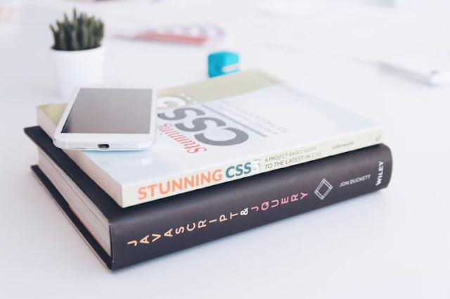 Belajar pemrograman secara otodidak melalui buku