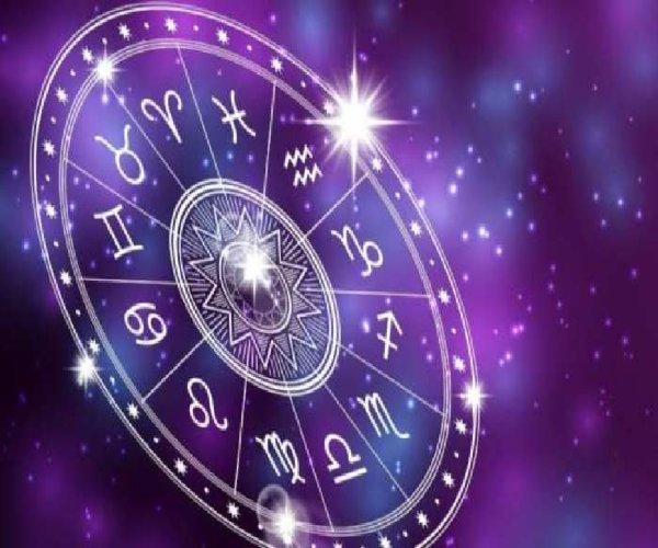 Astrology: बेहद बुद्धिमान होते हैं ये 5 राशि वाले लोग, क्या इस लिस्ट में आपका भी है नाम; चेक करें
