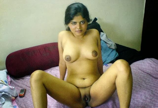 Sexy nude ginger zee