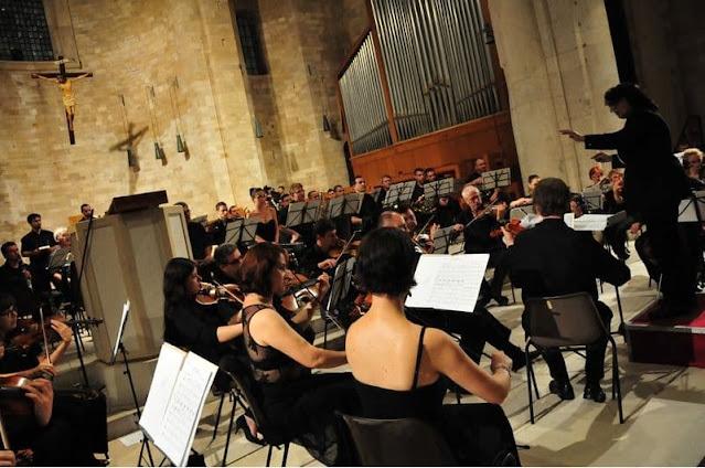 MUSICA: Sylvia Constantinidis: una directora de orquestas versátil e innovadora.
