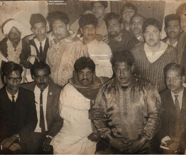 Shams Malik with Bholu, Acha, Goga 'n Akki Pehalwan