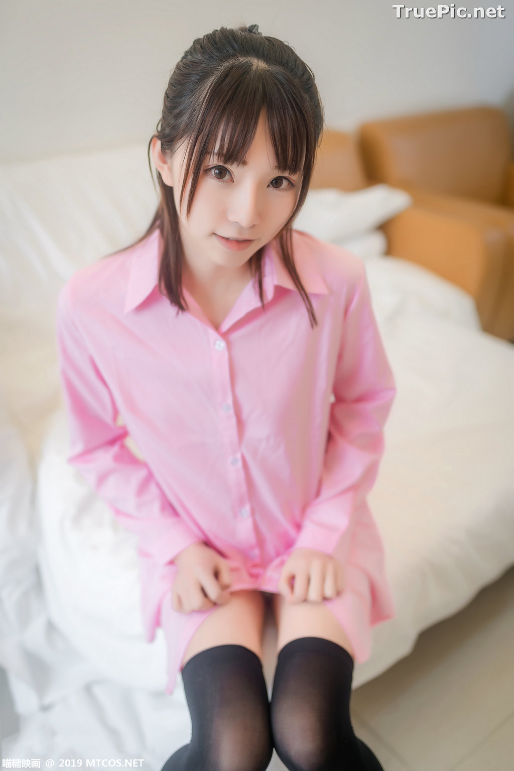 Image [MTCos] 喵糖映画 Vol.022 – Chinese Model – Pink Shirt and Black Stockings - TruePic.net - Picture-1