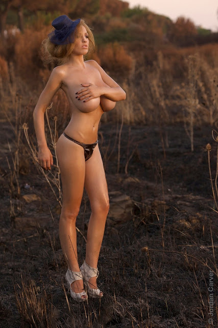 Jordan-Carver-Scorched-HD-photoshoot-and-sexy-hot-picture-13