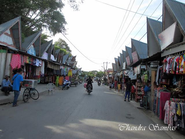 Pasar Tomok, Oleh-oleh Khas Samosir