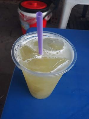 ベトナムのサトウキビジュース(Nước mía)