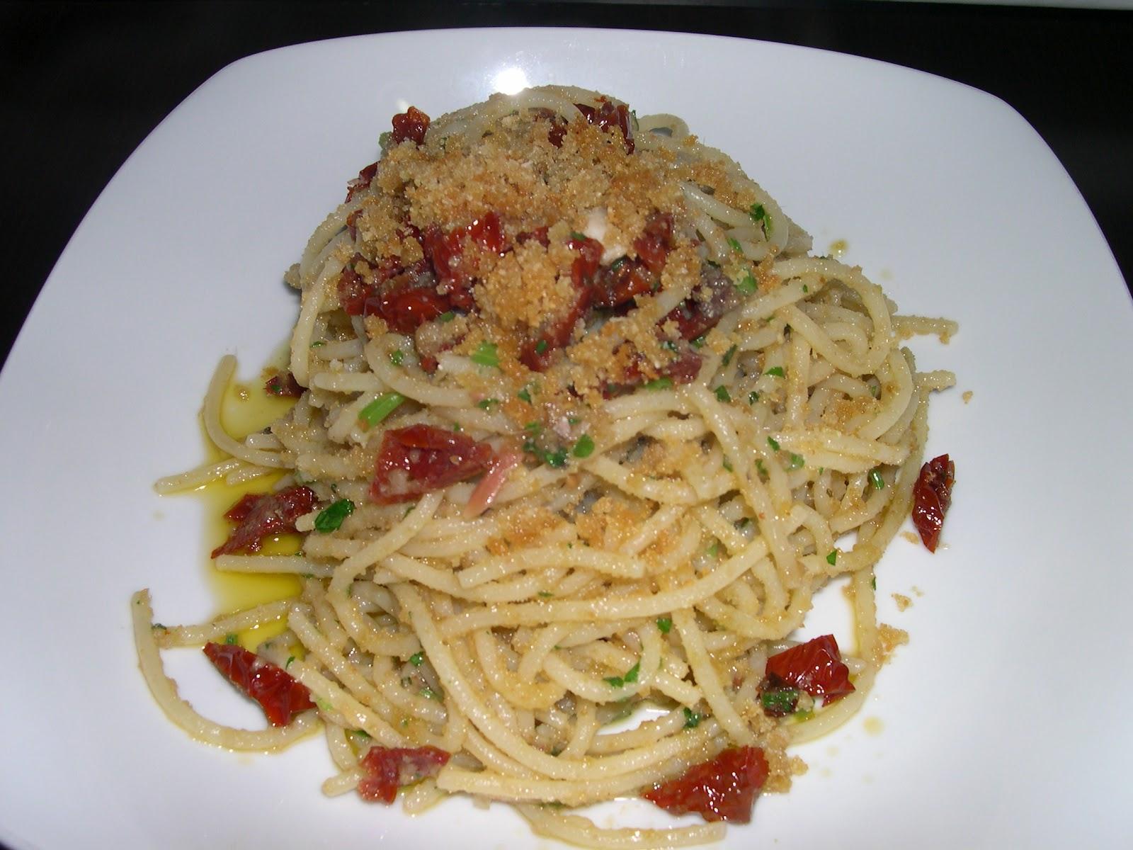 Cuciniamo Con Daniela Spaghetti Con Pomodori Secchi E Pangrattato