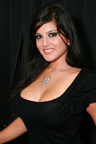 Sunny Leone Hot And Sexy New Wallpapers 2012  Latest -7360