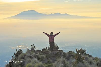 Puncak Gunung Merbabu 3145mdpl