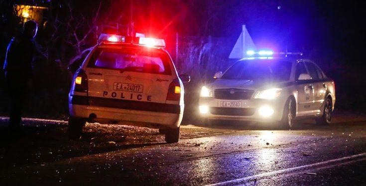 Κόνιτσα:  Προσέκρουσαν σε περιπολικό    με κλεμμένο όχημα,το εγκατέλειψαν...  και το έβαλαν στα πόδια ...