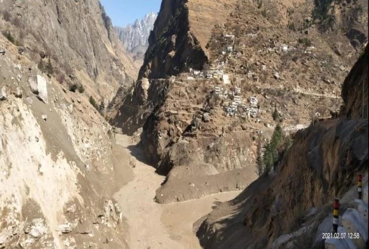 आपदा के बाद रैणी गांव