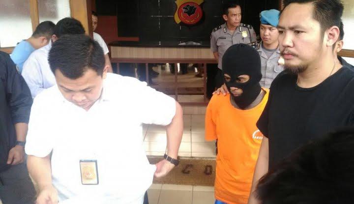 Polisi Berhasil Tangkap Pengoplos Gas Elpiji di Makassar, kasus pengoplosan gas elpiji tiga kilogram ke tabung 12 kg nonsubsidi.