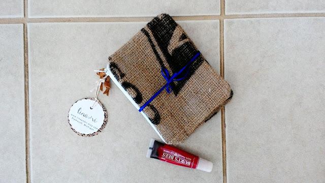burlap zipper pouch handmade by linaandvi.etsy.com