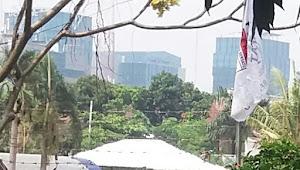 Parah ! Bangunan Tanpa IMB di Kedoya di Atas Lahan Sengketa