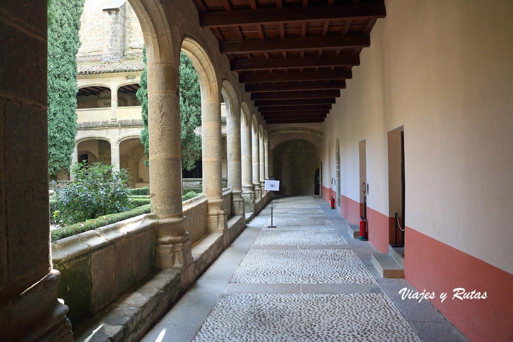 Claustro gótico del Monasterio de Yuste
