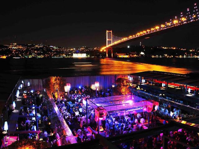 Restaurante e Balada Reina em Istambul