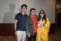 Govinda with wife Sunita Ahuja and Son Yashvardan Ahuja at Screening Of her new movie Aa a Hero 5.JPG