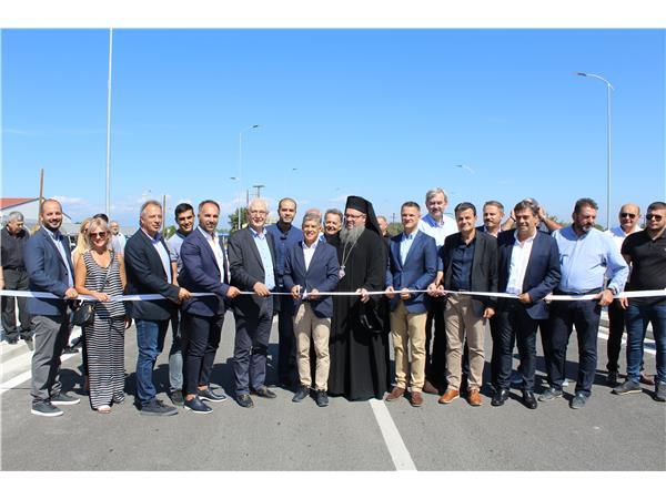 Στην κυκλοφορία παρέδωσε ο Περιφερειάρχης Θεσσαλίας το νέο περιφερειακό δρόμο της Λάρισας και δύο κυκλικούς κόμβους