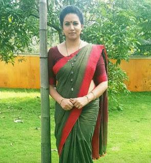 Indian beautiful girl in saree image Navel Queens