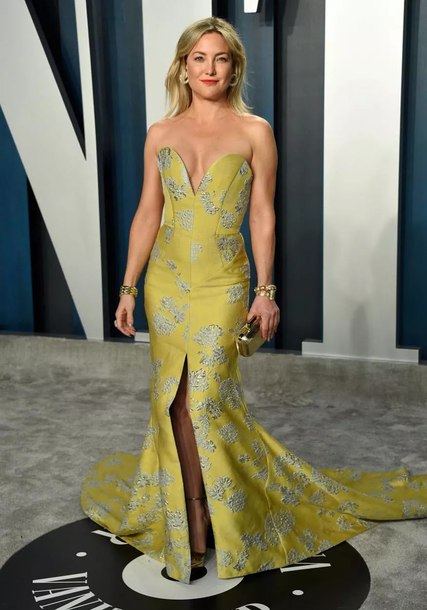 Kate Hudson is radiant in low cut gown at the 2020 Vanity Fair Oscars Party
