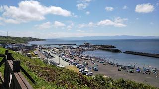 道の駅石狩「あいろーど厚田」ANNEXから厚田漁港を見る